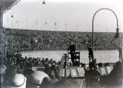 Peter van Anrooy dirigeert het Concertgebouworkest en het Residentie Orkest in het Olympisch Stadion, 1934